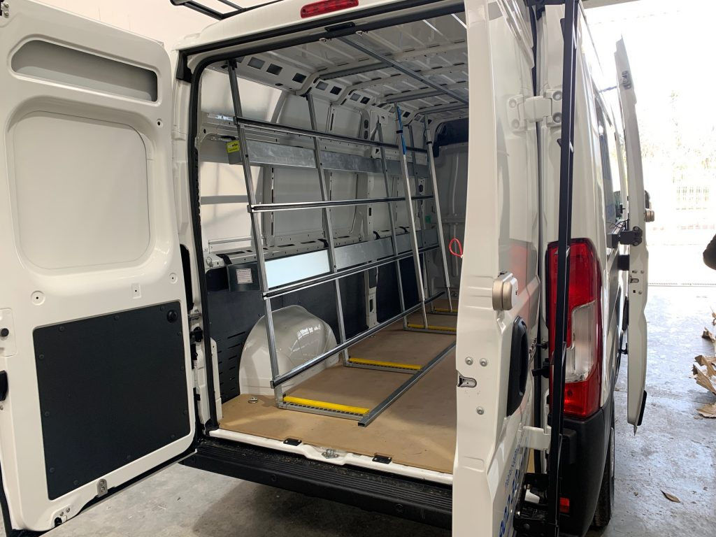 Transportar materiales en la furgoneta