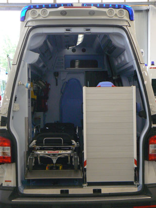 Rampas para transportar carros hospitalarios